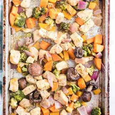 How To Make Irresistible Healthy Sheet Pan Chicken - Learn how to make this healthy Sheet Pan Chicken! Everyone will enjoy the roasted veggies and juicy chicken. Clean up is a breeze too! #chicken #onepanmeal #sheetpan #sheetpanchicken #homefreshideas