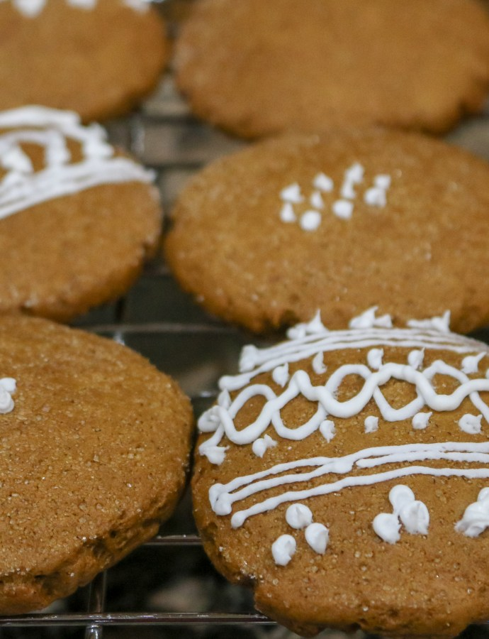 Classic Christmas Gingerbread Cookies