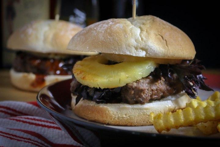 Food Exploring :: Teriyaki Burgers with Grilled Pineapple Rings