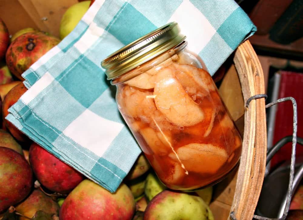 jar of spiced apples