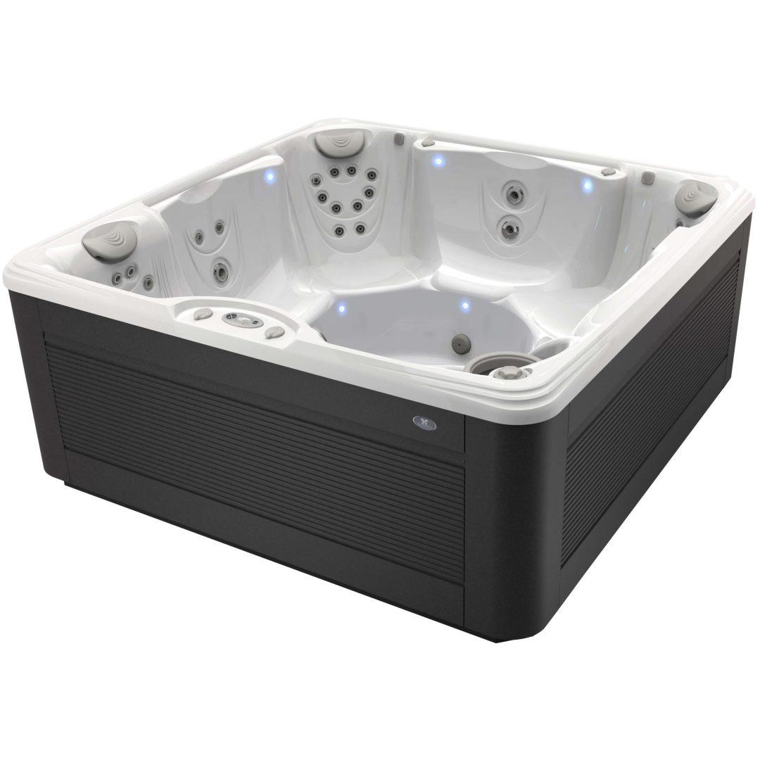 Foto van Caldera Spa type Palatino. Het bad op de foto heeft een kuip in de kleur arctic white. De Avante™-omkasting is uitgevoerd in de kleur java.