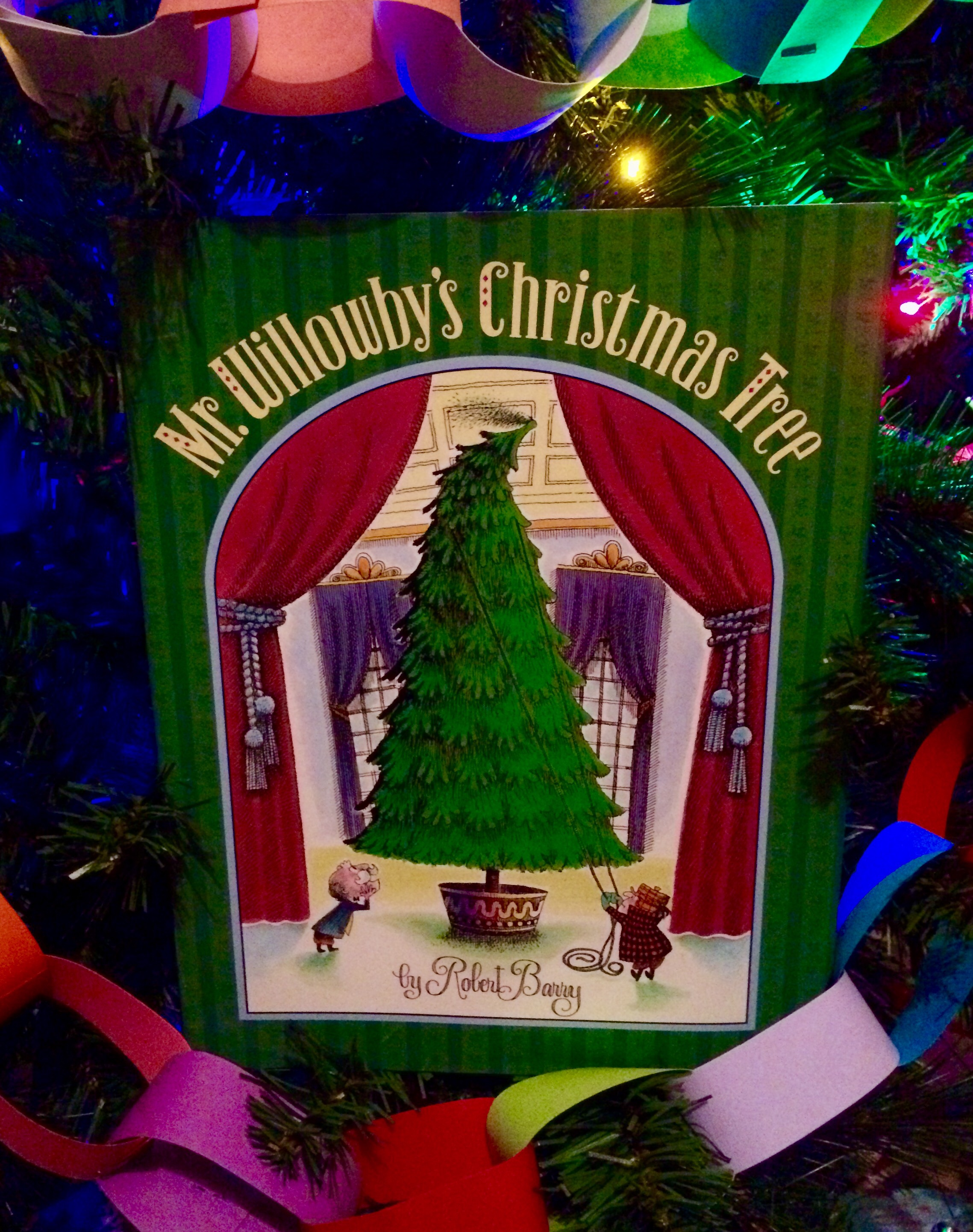 Mr. Willowby\'s Christmas Tree - Homegrown Reader
