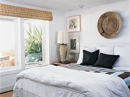 How To Arrange A Small Bedroom With Big Furniture: 5 Tips