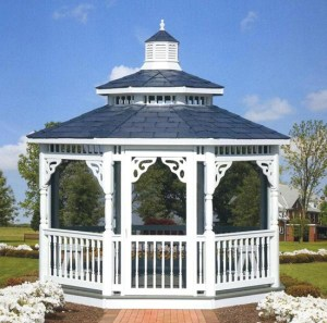 Vinyl-Gazebo-by-www.homeimprovementingreenvillesc.com
