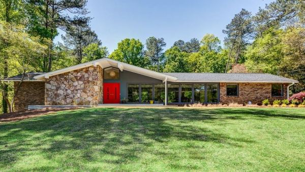 Ranch Traditional Home Sandy Springs Georgia