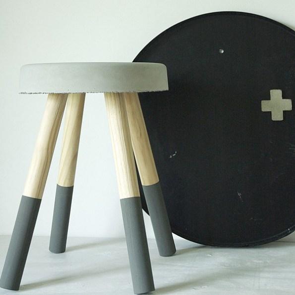betonnen-krukje-grijs