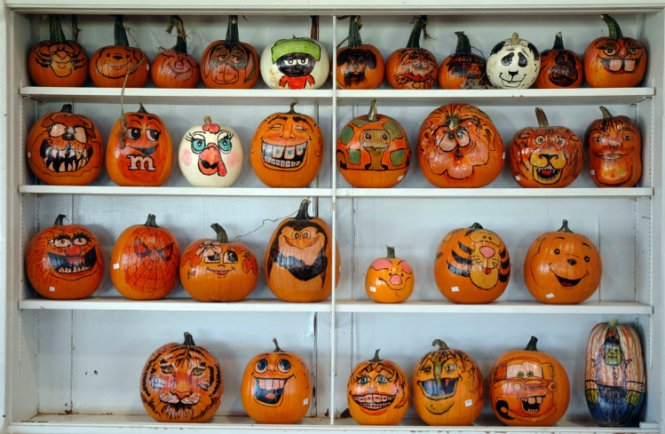 Decorating Pumpkins With Kids Painting And Felt Faces