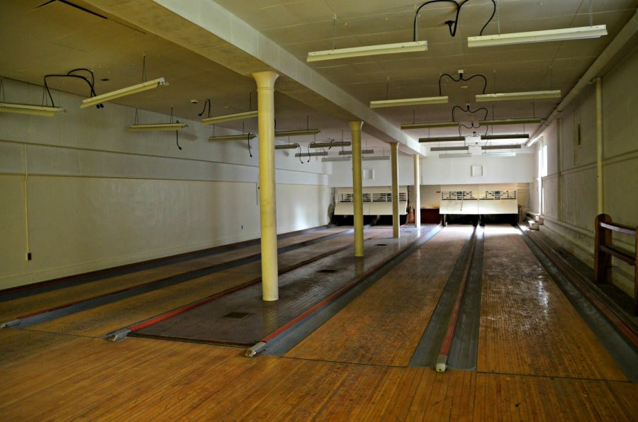 Hadley Hall Bowling Lanes