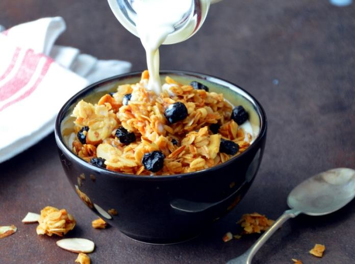 Chunky Blueberry-Almond Granola