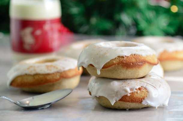 Baked Eggnog Doughnuts with Eggnog Rum Glaze