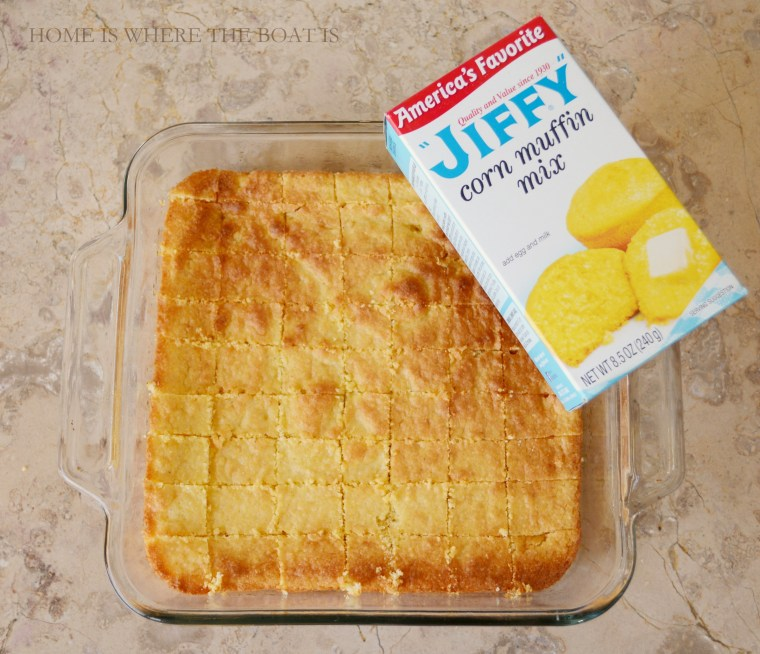 Jiffy cornbread croutons for soup! | ©homeiswheretheboatis.net #soup #recipes