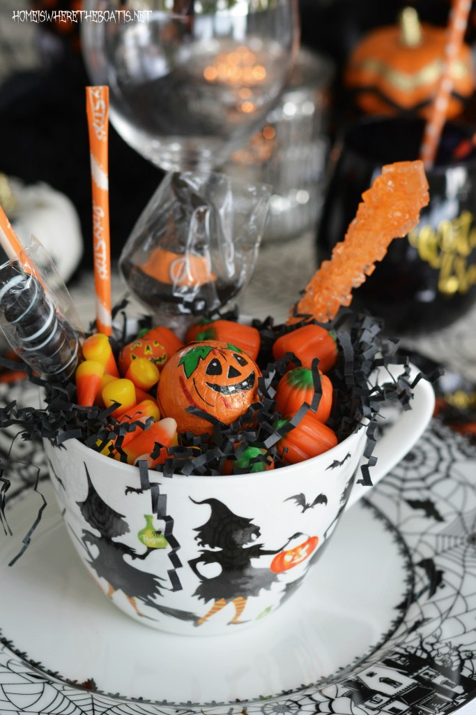 Black Hat Society Halloween Table | homeiswheretheboatis.net #witch #tablescapes #Halloween