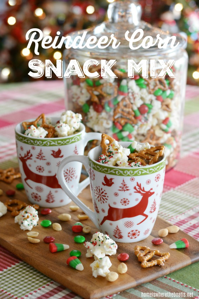 Reindeer Corn Snack Mix | ©homeiswheretheboatis.net #christmas #easy #nobake #recipes