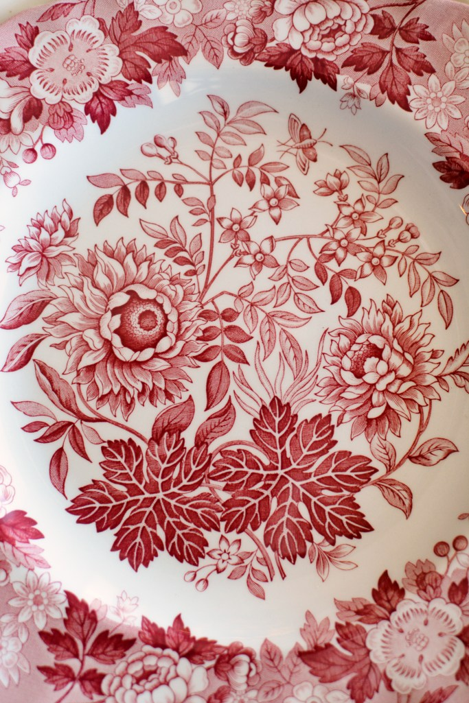 Spode Archive Collection 'Jasmine' | ©homeiswheretheboatis.net #valentinesday #flowers