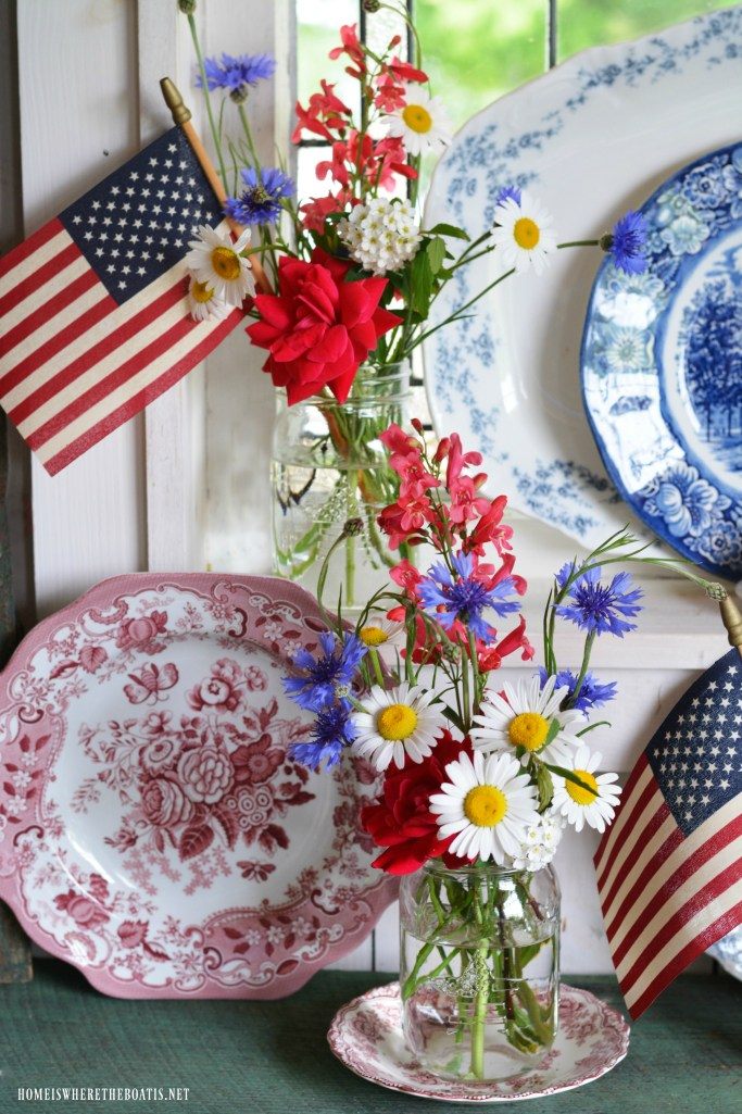 Stars and Stripes Jars with transferware, red, white and blue and flags | ©homeiswheretheboatis.net #flowers #masonjars