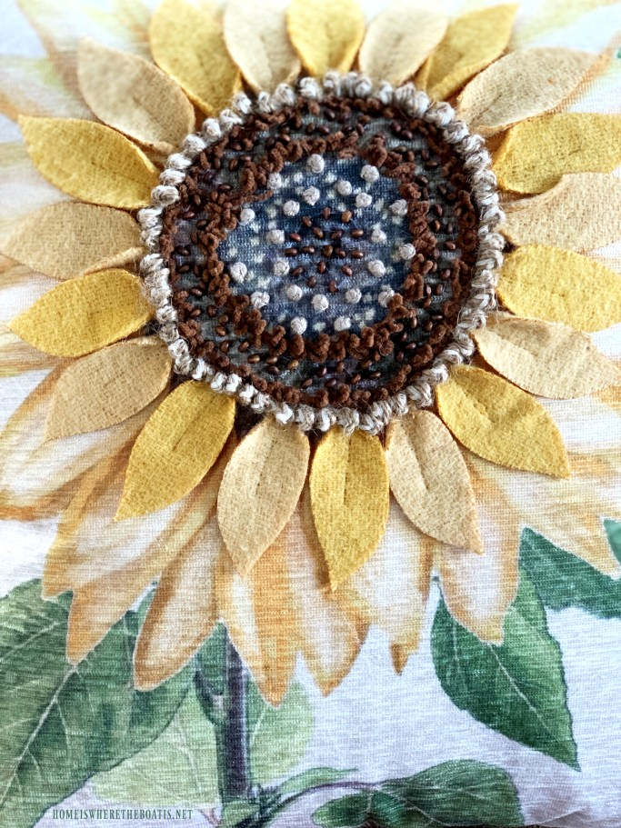 Sunflower pillow | ©homeiswheretheboatis.net #sunflowers