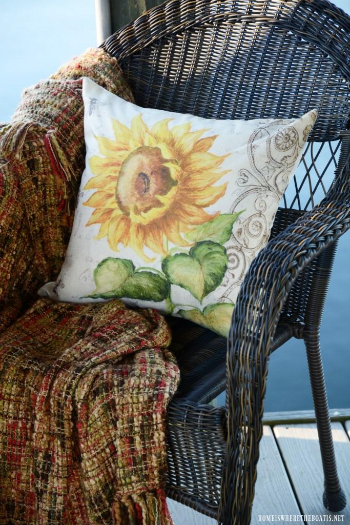 Sunflower pillow | ©homeiswheretheboatis.net #sunflowers #lake #summer