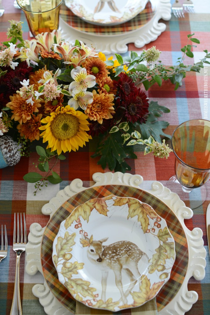 Woodland Friends Tablescape and DIY fresh flower table runner | ©homeiswheretheboatis.net #flowers #fall #centerpiece #tablescapes