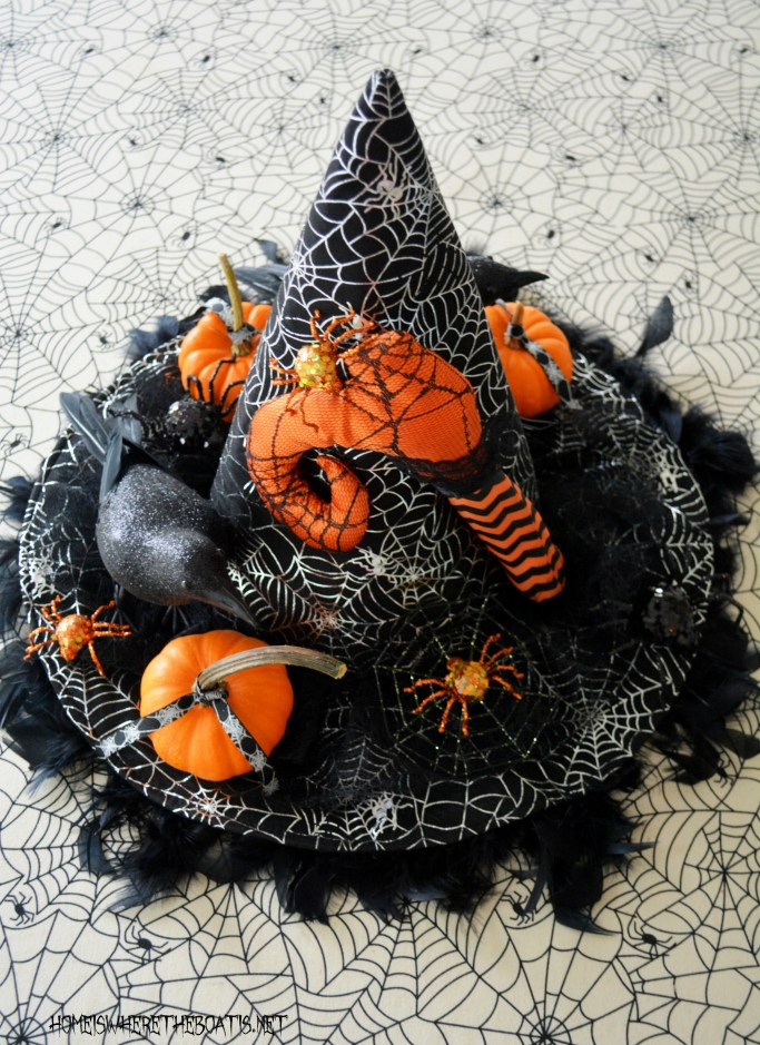 Witch hat centerpiece Halloween table | homeiswheretheboatis.net #halloween #witch