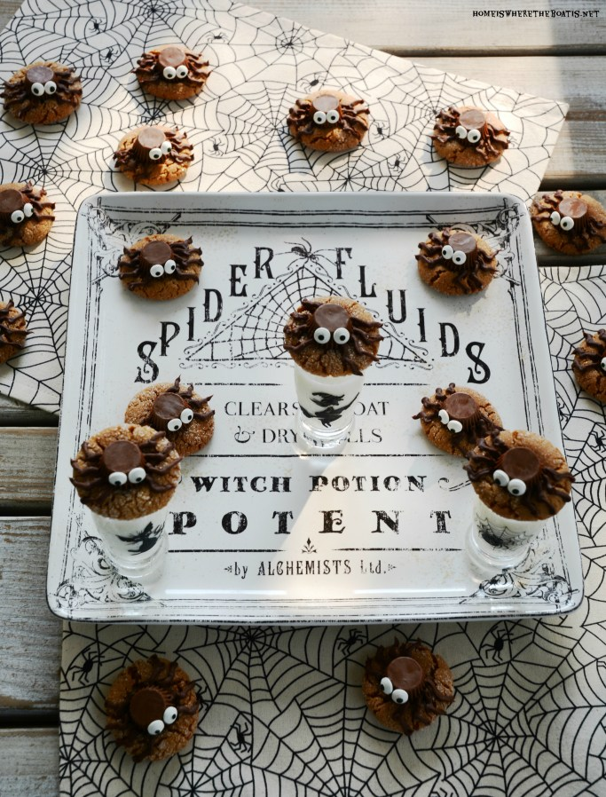 Peanut Butter Spider Halloween Cookies | ©homeiswheretheboatis.net #Halloween #cookies