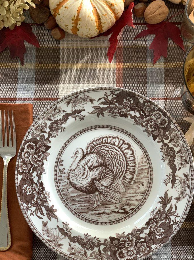 Spode Celebration Thanksgiving Turkey | ©homeiswheretheboatis.net #thanksgiving #tablescapes #easy #turkey