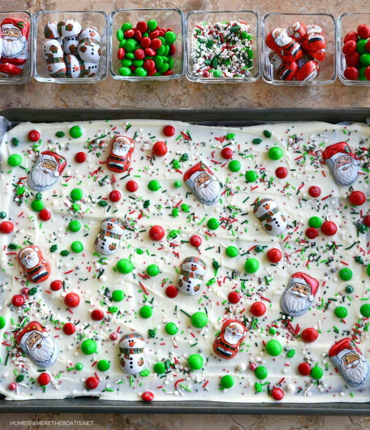 Easy No-Bake Christmas Bark | ©homeiswheretheboatis.net #christmas #foodgift #easy #recipe #nobake