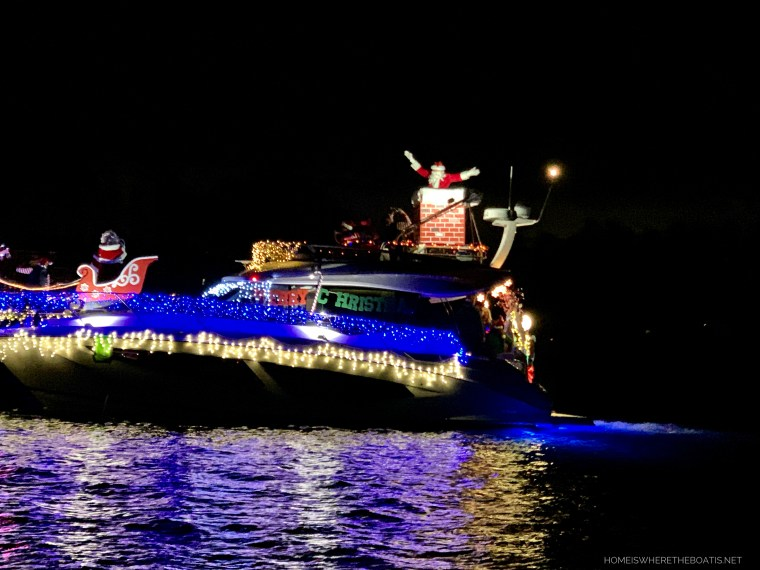 Christmas Lighted Boat Parade with Santa | ©homeiswheretheboatis.net #Christmas #LKN #boat