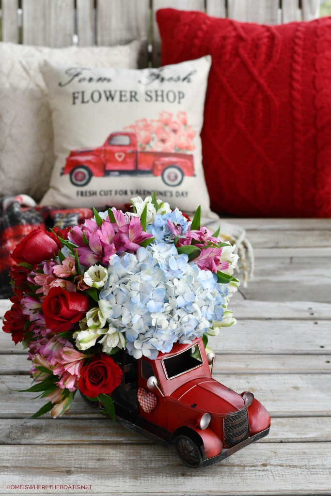 Farm Fresh Flower Shop Truck Flower Arrangement | ©homeiswheretheboatis.net #flowers #valentinesday