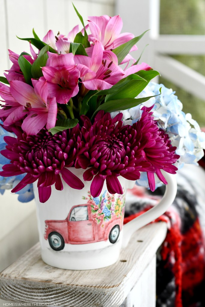 Truck with Flowers Mug Arrangement | ©homeiswheretheboatis.net #flowers #valentinesday