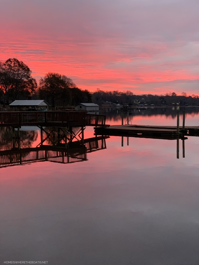 Weekend Waterview Lake Norman February | ©homeiswheretheboatis.net #LKN #sunrise #lake #reflections