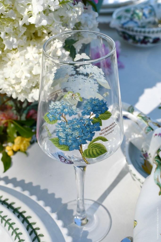 Hydrangea Portmeirion Botanic Garden | ©homeiswheretheboatis.net #tablescapes