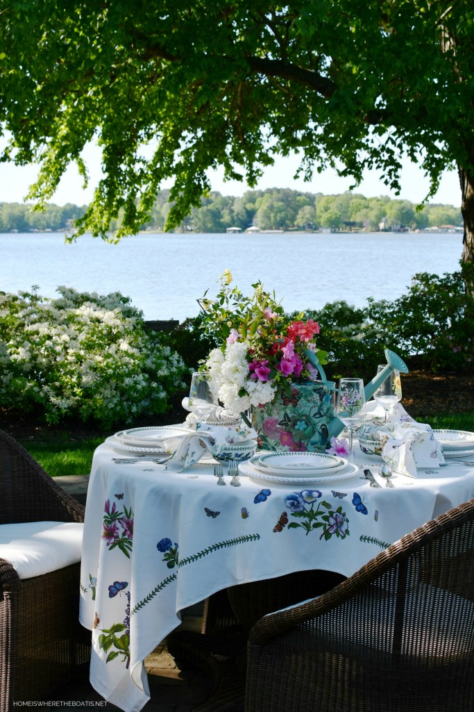 Spring Lakeside Table with Botanic Blooms | ©homeiswheretheboatis.net #spring #garden #flowers #tablescapes