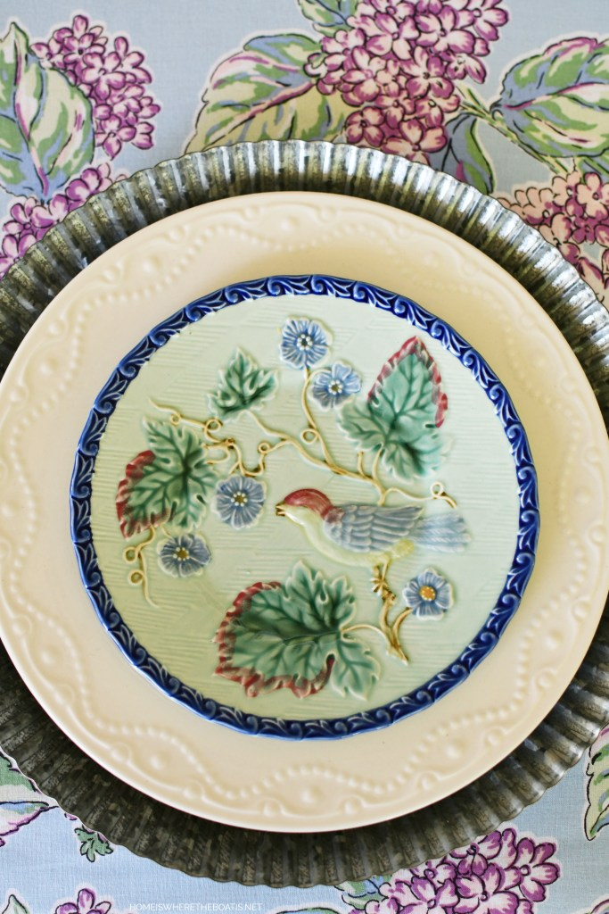 Embossed bird salad plate | ©homeiswheretheboatis.net #flowers #tablescapes #hydrangeas