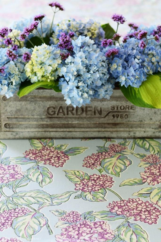 Garden flower arrangement with Endless Summer Hydrangeas | ©homeiswheretheboatis.net #flowers #tablescapes #hydrangeas