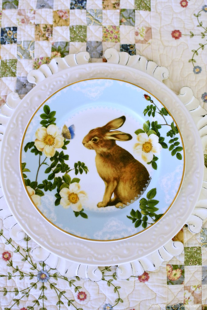 Bunny salad plate and quilt tablecloth | ©homeiswheretheboatis.net #spring #alfresco #tablescapes