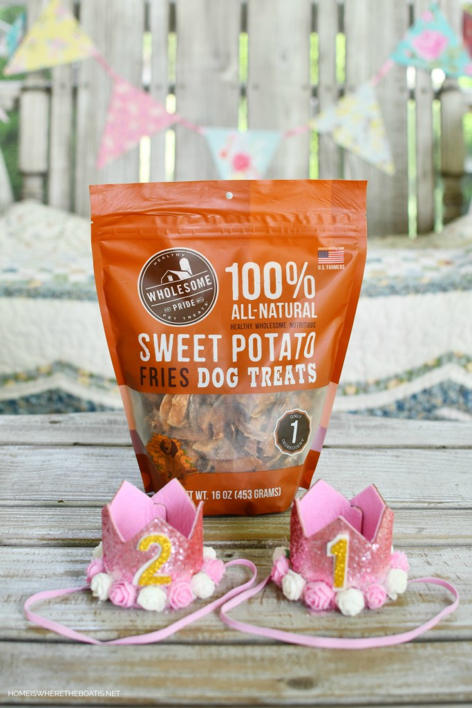 Sweet Potato Dog Treats | ©homeiswheretheboatis.net