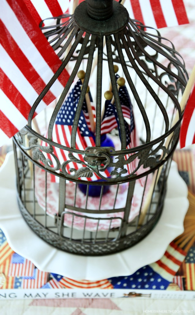 Long May She Wave Patriotic Table | ©homeiswheretheboatis.net #patriotic #table #4thofjuly