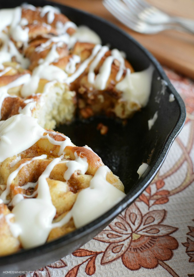 Cinnamon-Pecan Rolls with Cream Cheese Glaze | ©homeiswheretheboatis.net #cinnamonrolls #sweetrolls #recipes