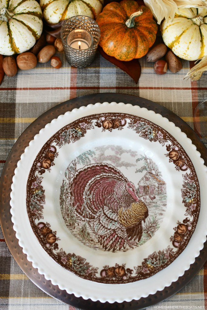 Autumn Monarch by Johnson Brothers | ©homeiswheretheboatis.net #thanksgiving #tablescapes