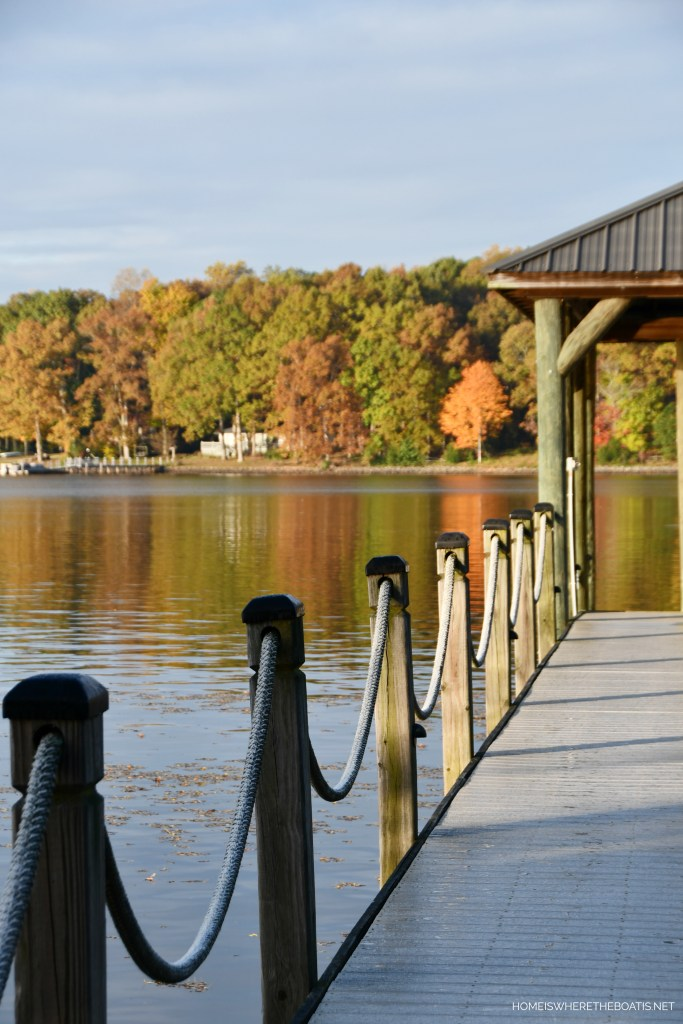 Weekend Waterview Fall Lake Norman | ©homeiswheretheboatis.net #fall #lake