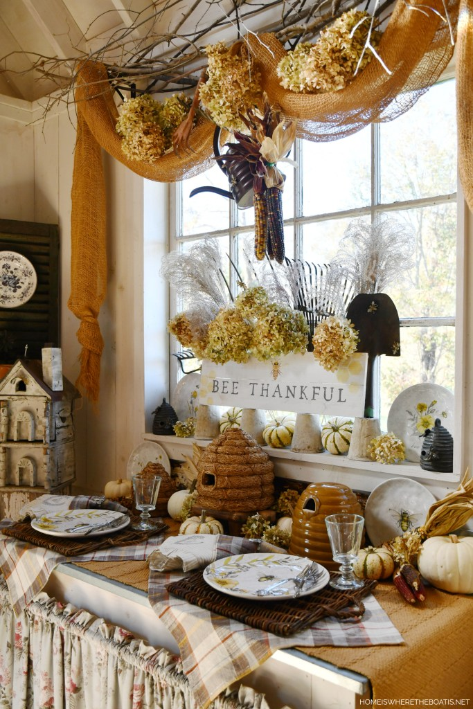 Bee Thankful table in Potting Shed | ©homeiswheretheboatis.net #bees #fall #shed #thanksgiving