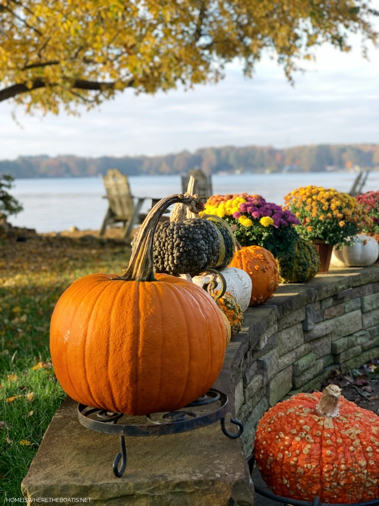 Weekend Waterview pumpkins and mums | ©homeiswheretheboatis.net #fall #lake