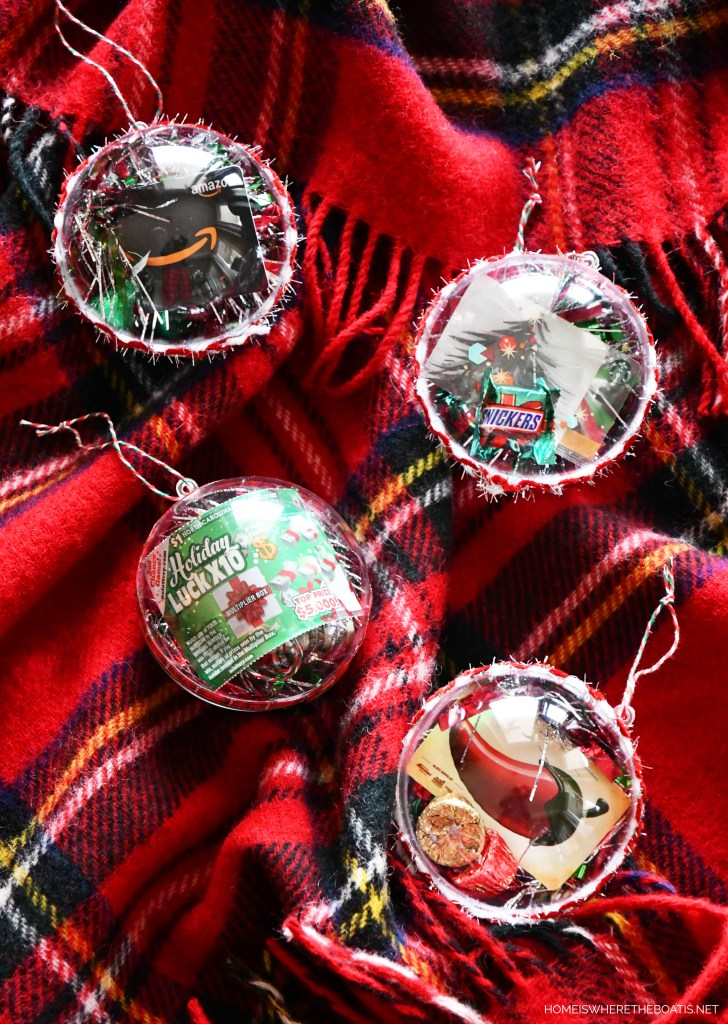 Easy and Festive Gift Card Ornaments   ©homeiswheretheboatis.net #christmas #giftwrap #ornament #DIY
