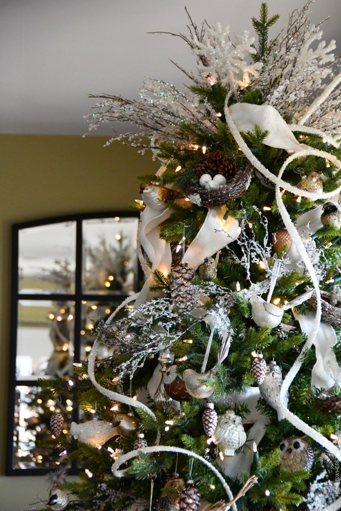 Winter Nesting Tree with birds, snowflakes and icy branches | ©homeiswheretheboatis.net #winter #tree #birds #christmastree