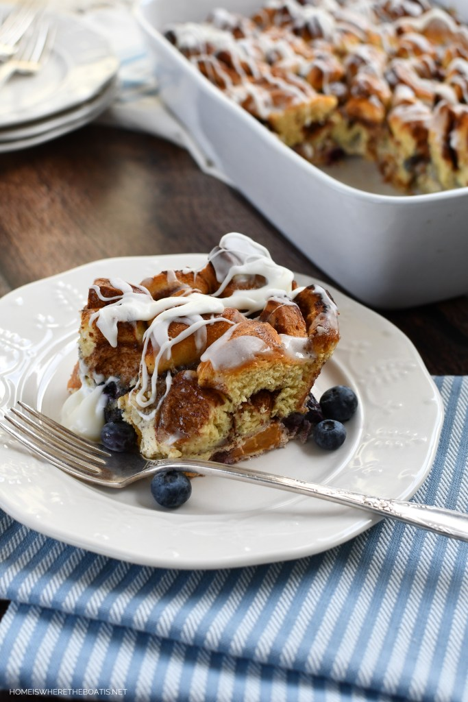 Cinnamon Roll French Toast Bake | ©homeiswheretheboatis.net #easy #brunch #casserole #frenchtoast #cinnamonrolls