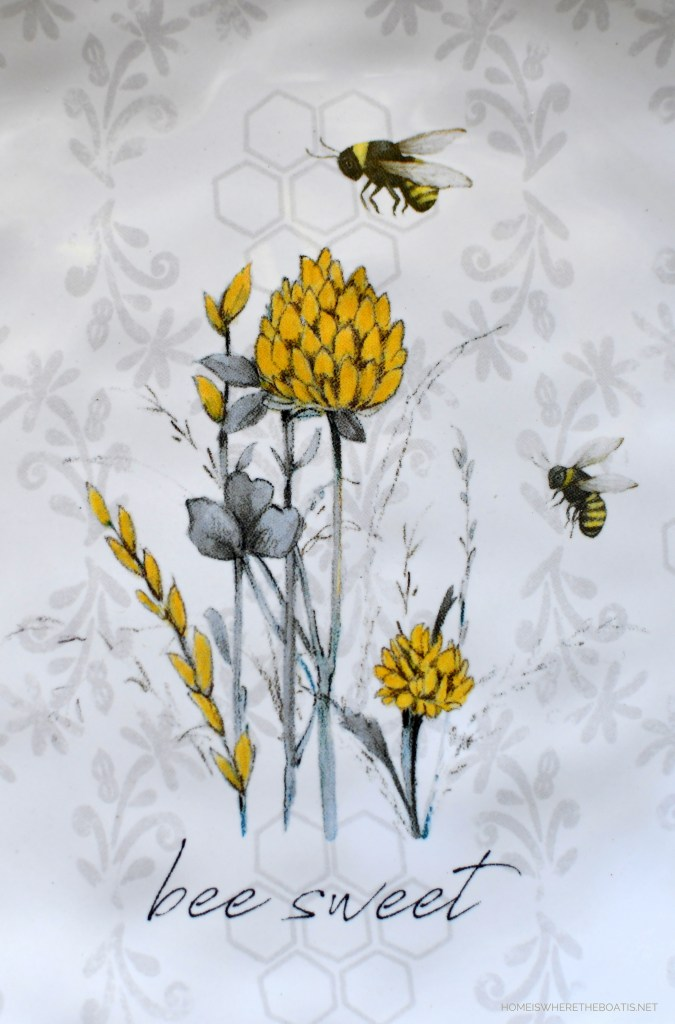 Bee Sweet | ©homeiswheretheboatis.net #bees #tablescapes