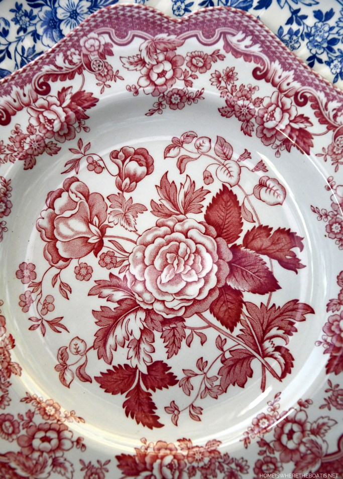 Spode Archive Collection 'British Flowers – Rosa' | ©homeiswheretheboatis.net #redwhiteandblue #transferware #flowers #tablescape #memorialday