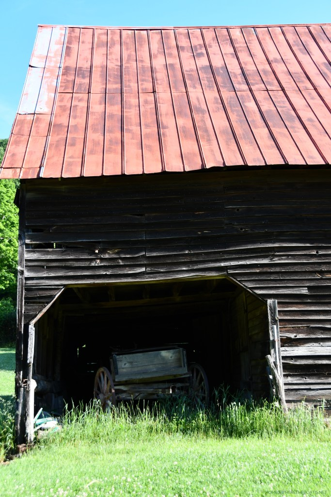 Old barn with wagon in mountains | ©homeiswheretheboatis.net #mountains