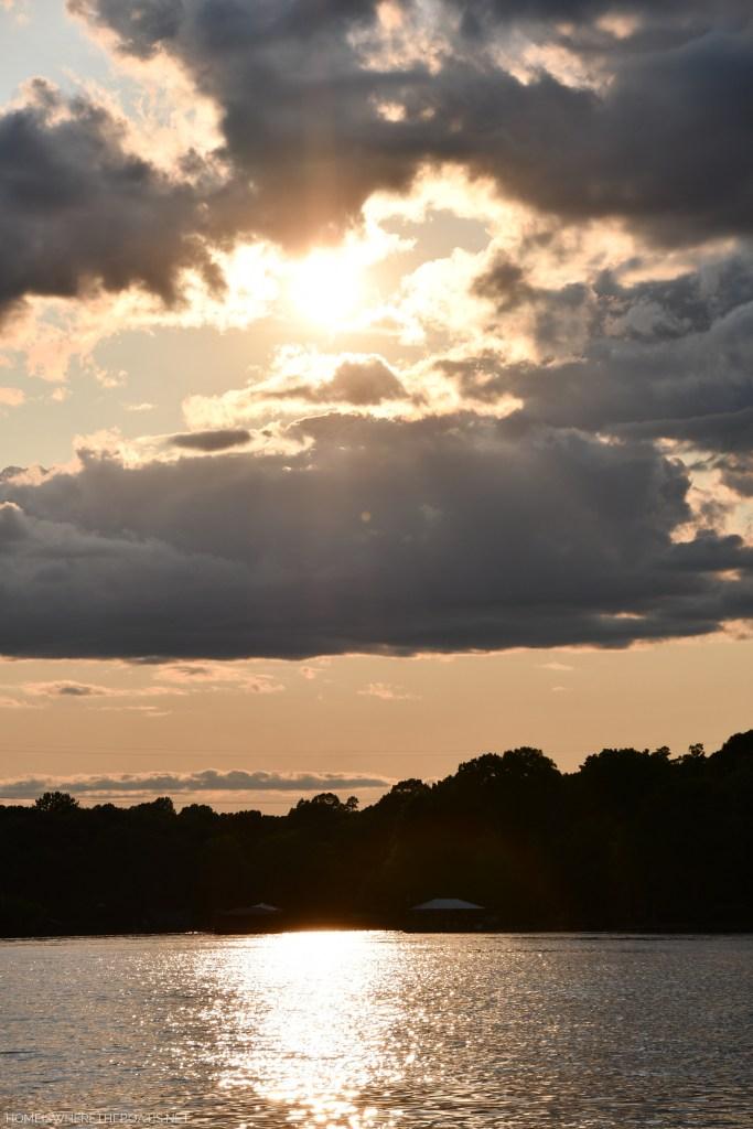Weekend Waterview   ©homeiswheretheboatis.net #boating #lake #pontoon