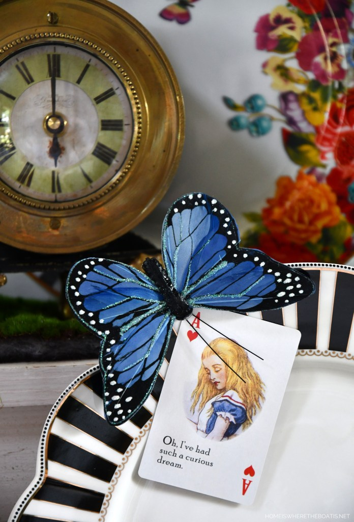 Alice in Wonderland inspired table and Mad Tea Party | ©homeiswheretheboatis.net #teaparty #aliceinwonderland #tablescape